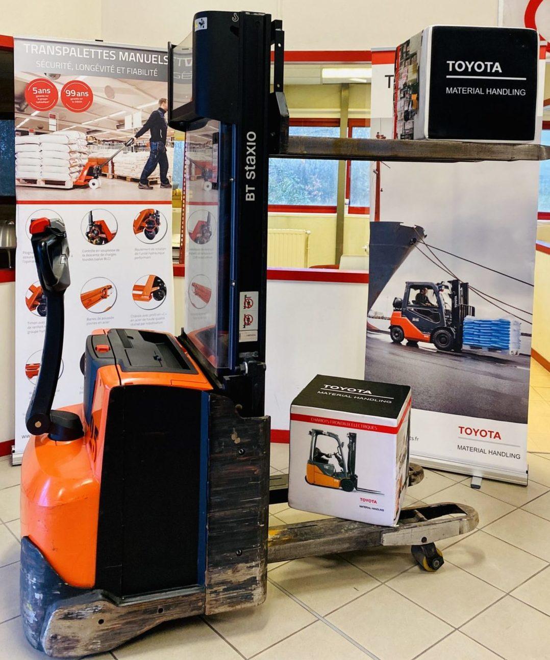 Gerbeur électrique Toyota BT SWE120L photo 2